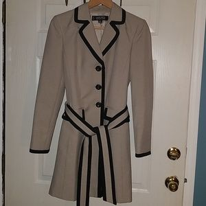 Kasper Petite Long Belted Jacket Sz 6P Tan & Black